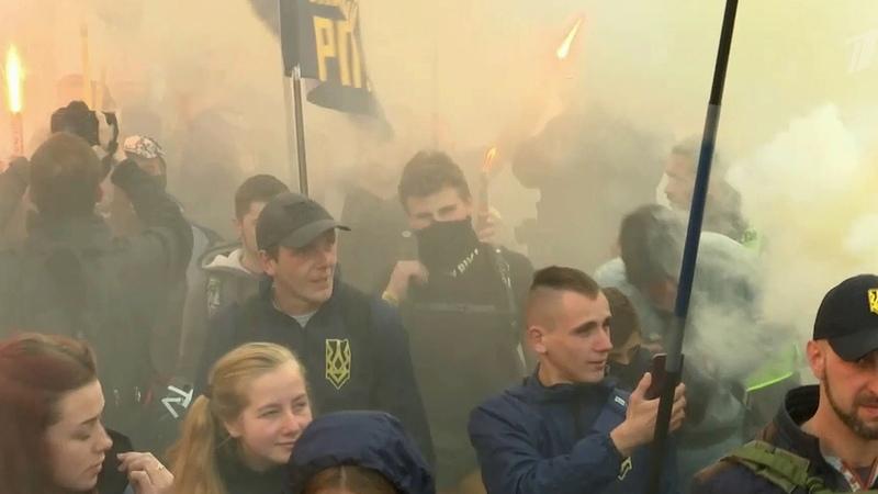 Погромами попыткой захвата Киево Печерской лавры иатакой насоветские памятники наУкраине отпраздновали годовщину создания УПА