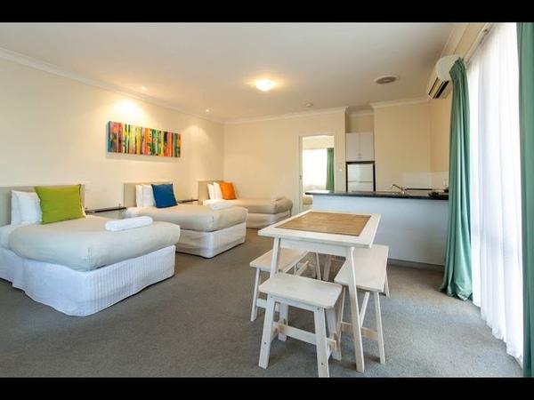 Lincoln Cottage Motor Inn - Wagga Wagga - Australia