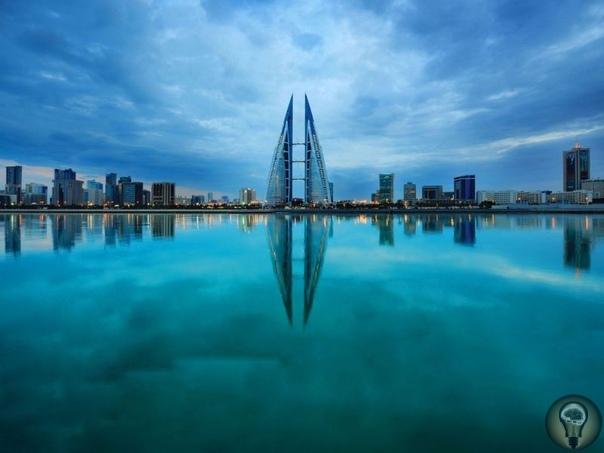 Королевство Бахрейн - зачем ехать Королевство Бахрейн (в переводе с арабского «два моря») единственное арабское островное государство, жемчужина Ближнего Востока, включающее в себя 33 острова,
