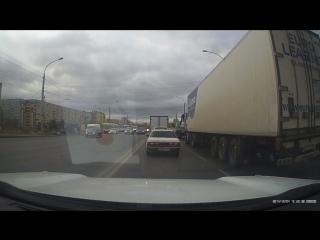 Наглый водитель г/н С 360ТХ 55 регион - 10.10.18 у автовокзала около 10 утра