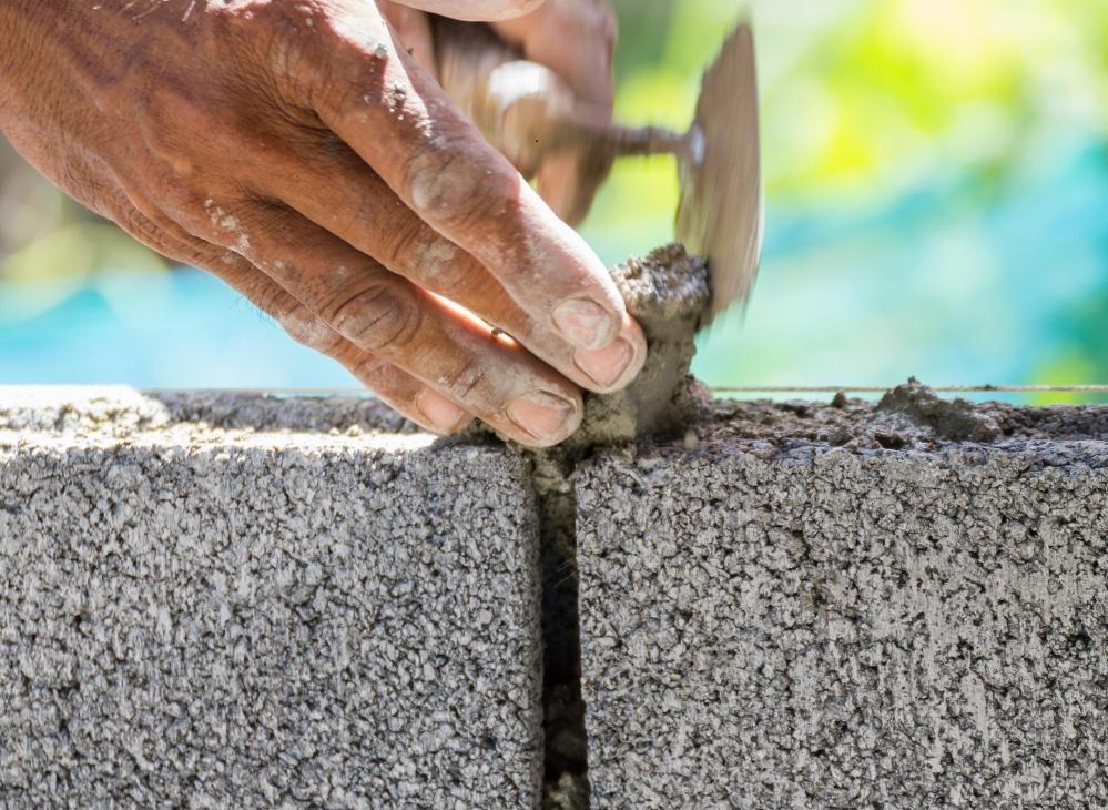Первоначально шлаковый цемент использовался в качестве раствора в проектах кладки.