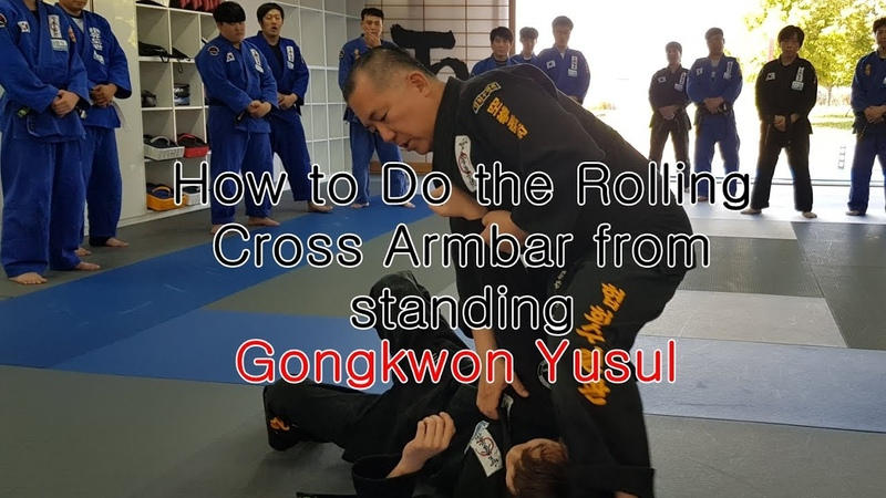(152)How to Do the Rolling Cross Armbar from standing-Korean martial arts