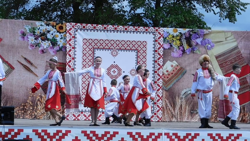 Выступление участников праздничного концерта Семык-2018 , республика Удмуртия.