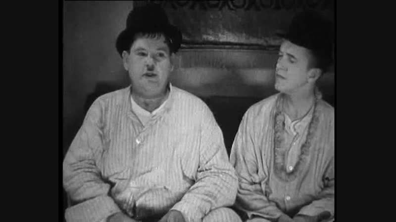 Laurel and Hardy - Sons of the Desert - 1933