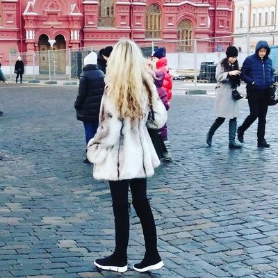Оленька Путина