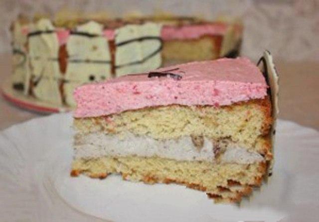 Торт «Бананово-клубничное искушение»
