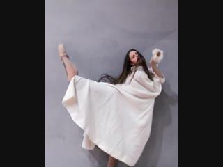Sonya mohova interprets the acne studios spring-summer 2019 collection - bohemian dancer