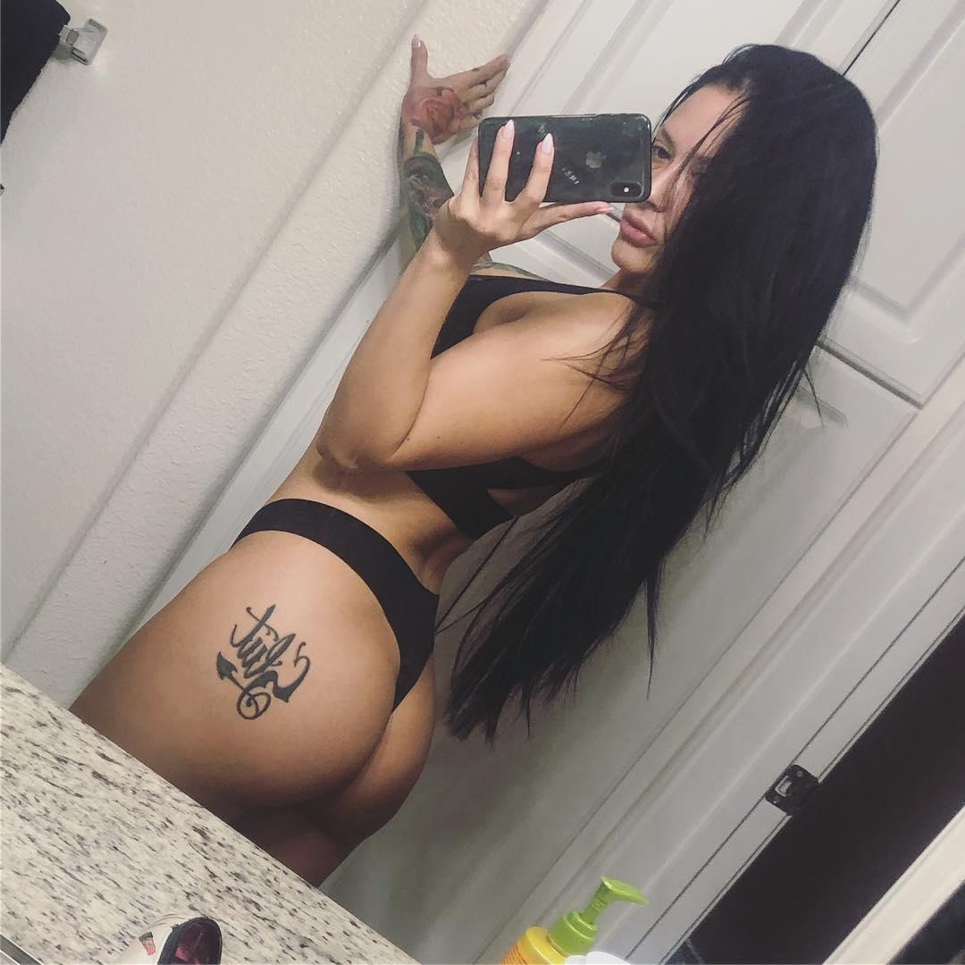 Noelle ass got jammed