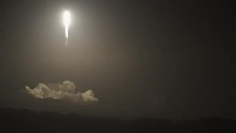 На красивый яркий мультик Роскосмоса SpaceX ответил каким то невнятным тёмным видео взлёта и посадки Falcon 9 Неубедительно