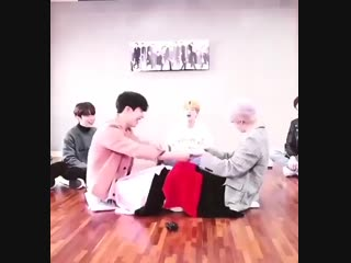 POOR HYUNGWON I FEEL SORRY I LAUGHED A LOT