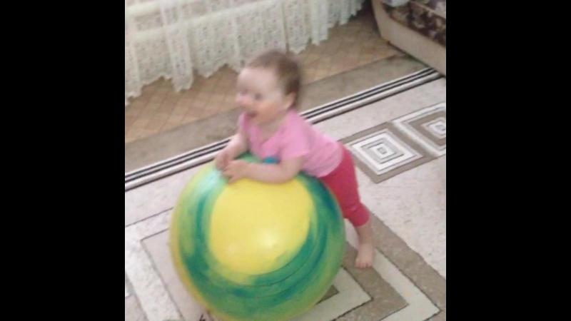 Николь Никитична куражится )