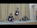 Гимнастический танец Сломанные куклы на сцене