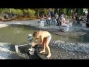 Вместо песочницы - большая лужа Детская площадка в парке Москвы