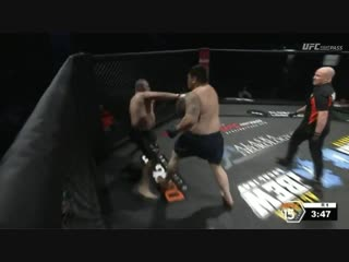 #AFC144 Enoka Sautia beats down Charlie Gallant in just over a minute.