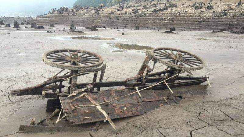 Когда высохло это озеро в 2015 году, всем открылись страшные находки древнего города призрака