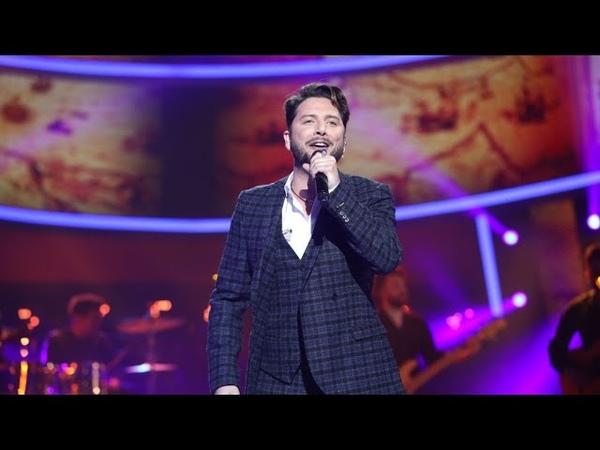 Manuel Carrasco canta 'Déjame ser' en la gran final de 'Tu cara me suena'