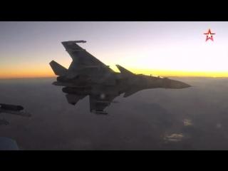 Российские боевые самолеты летят в #Крым : кадры с воздуха