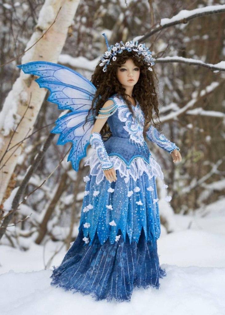 Каштановая кукла девушка зима осень картинки
