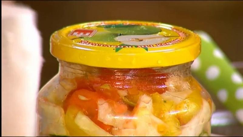Закрома. Салат из огурцов, помидоров и капусты