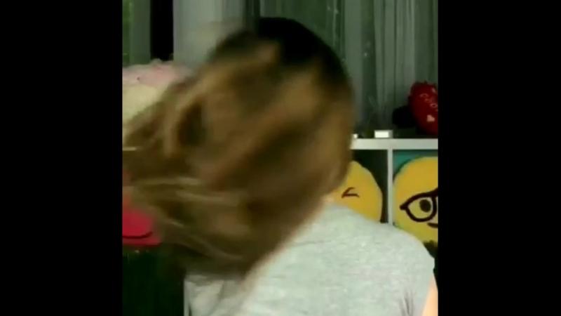 Волосы Элли Ди просто Блеск💫