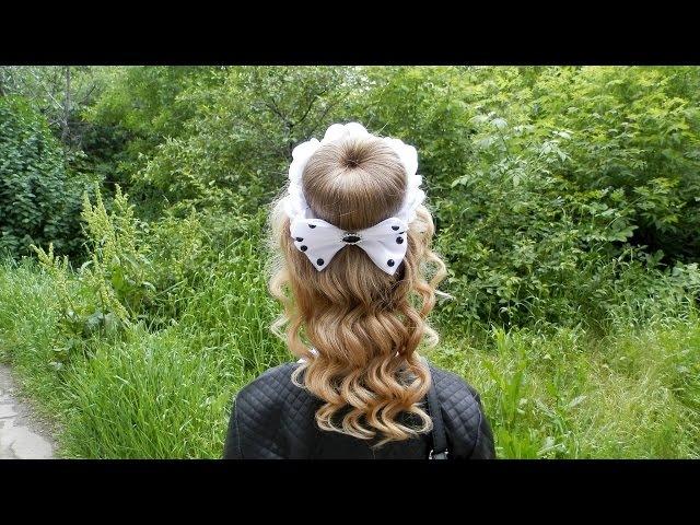 Прическа с украшением на гульку-пучок Hair decoration on a bun Moño para niña