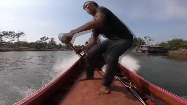 Crazy asian Captain Jack sparrow
