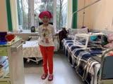 Самира Бакаева учится ходить после операции
