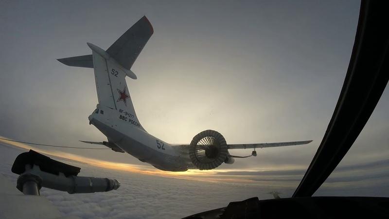 Fifhters Su-34 Fullback air refueling in the Urals/ Су-34! Дозаправка в небе Урала