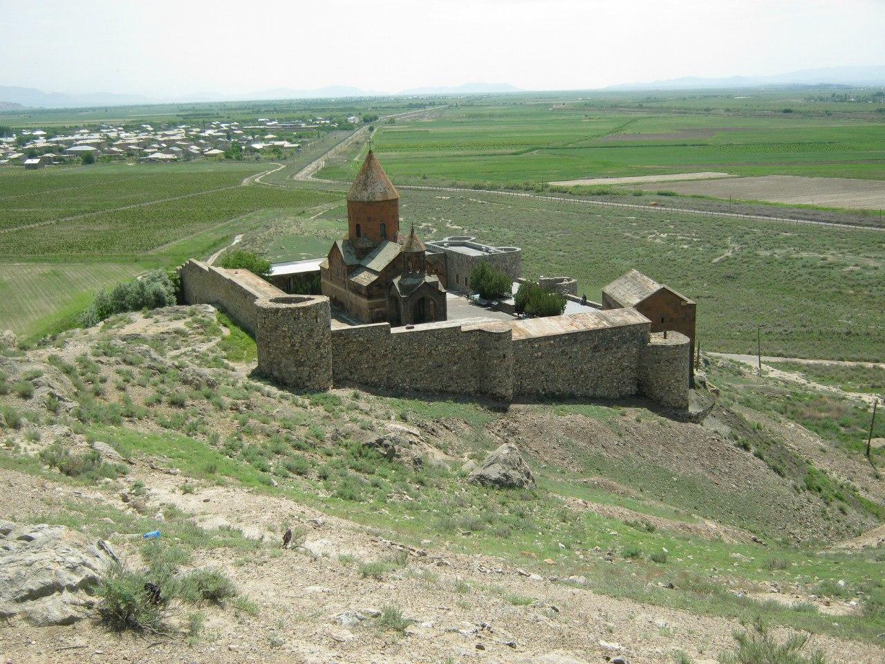 Маленький монастырь в Армении