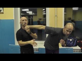 техника кулачного боя серия одной рукой