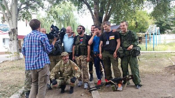 Военнослужащие оттесняют террористов от места расстрела колонны беженцев, - СНБО - Цензор.НЕТ 3409