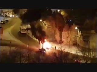 На «Шапито» сгорел авто
