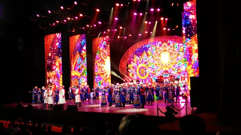 Ансамбль танца и песни «Кубанская казачья вольница» с шоу программой «Казачья удаль»