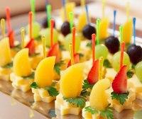 Коллекция кулинарных рецептов с фотографиями и советами по приготовлению.  Канапе с сыром.