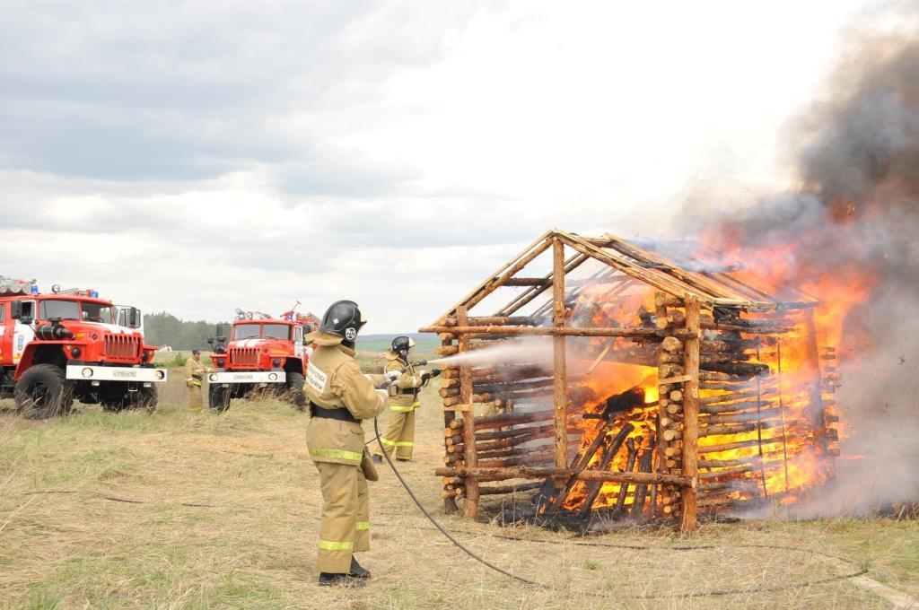 В одном из районов Ростовской области прошли  пожарно-тактические учения