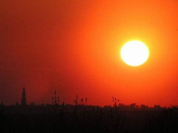Песня лето солнце жара танцуй до утра скачать на русском