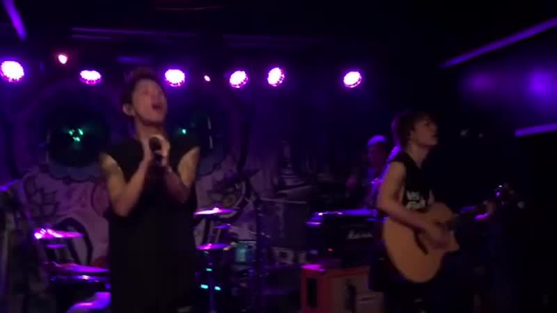 One Ok Rock - Stand Out Fit In (Live in Hamburg 2018)
