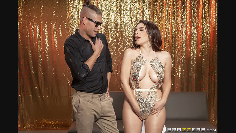 Brazzers anal. Golden Goddess Valentina Nappi Xander Corvus Big Wet Butts 18.01.2019 (Big naturals tits, weet pussi, hard sex)
