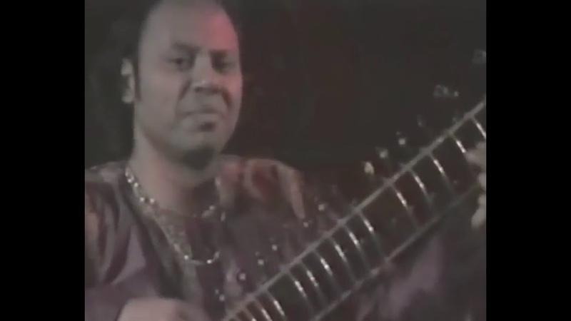 1996 0831 Sitar Concert Nishat Khan at Krishna Puja Cabella Italy