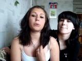 Две русские малолетки в защиту кавказцев.
