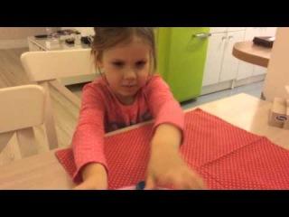 Соня рассказывает как вести себя за столом