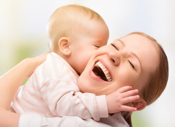 Главное благополучие семьи — это здоровье мамы. Папа должен коршуном отбить всех и дать маме поесть, поспать и погулять.