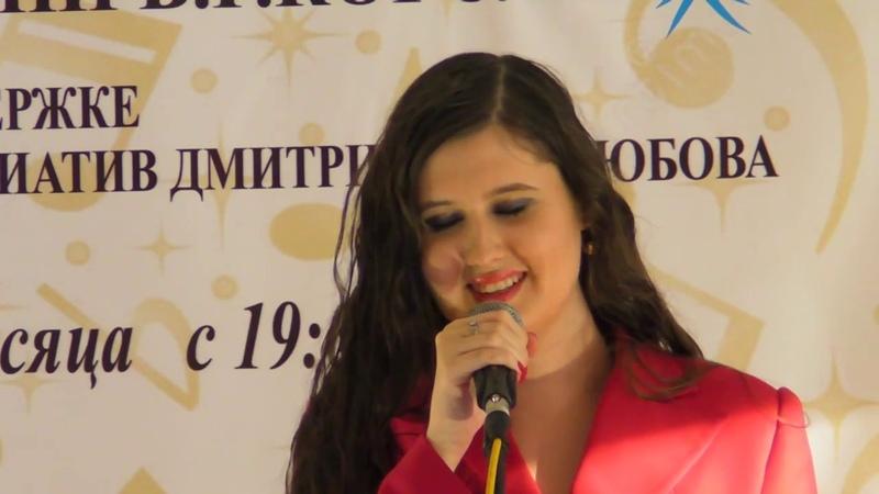 Любовь Соболева Я выжила под аккомпанемент пианистки Веры Сабуровой и Спортивным быть теперь вновь модно