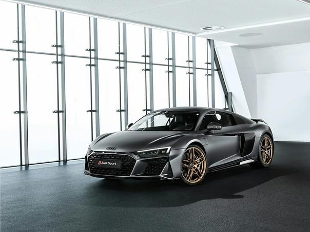 Очень редкие : Audi R8 V10 Decennium Двигатель: 5.2 V10 Atmo Мощность: 620 л.с. при 8000-8250 об/мин Крутящий момент: 580 Нм при 6500 об/мин Трансмиссия: Робот 7 ступ. Макс. скорость: 331 км/ч