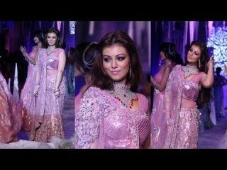Hot Showstopper Ayesha Takia on Ramp
