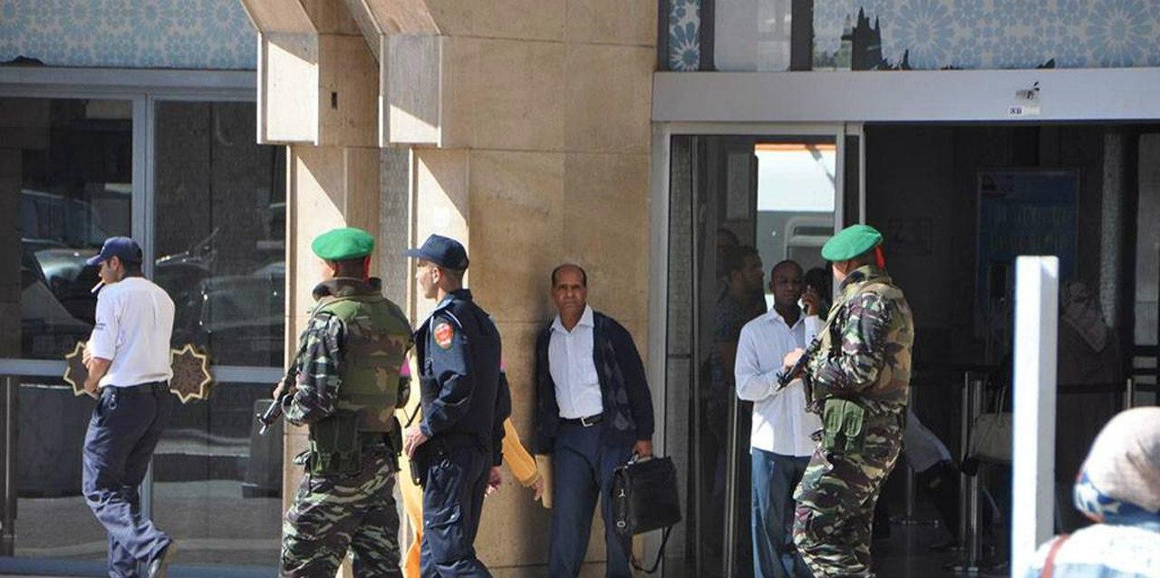 Photos de nos soldats et des Bases Marocaines - Page 2 -QOLwDXlFpk