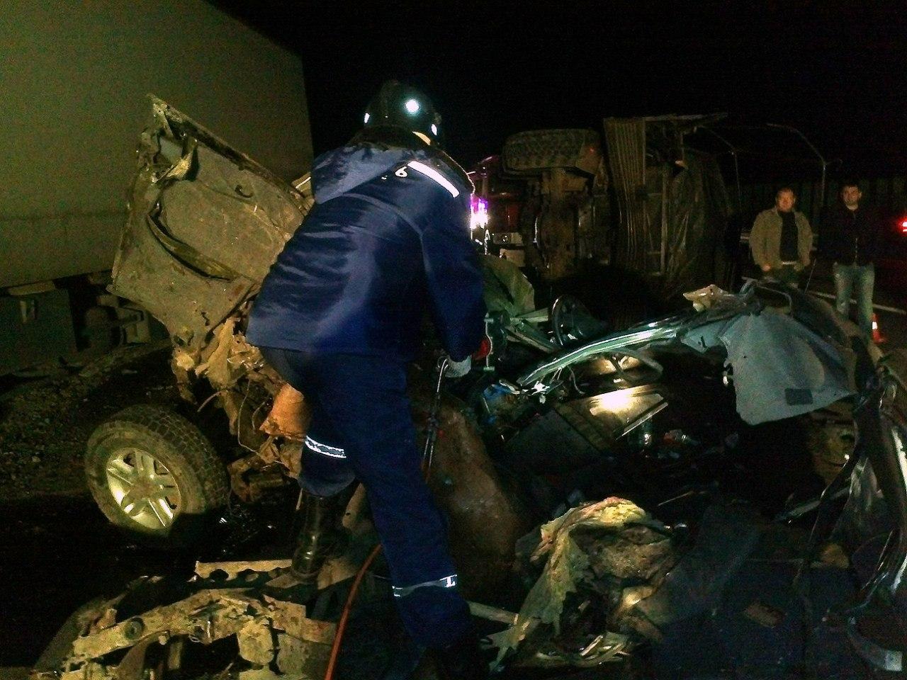 Жуткое ДТП на донской трассе: фура смяла военный «УРАЛ» и «УАЗ», погибли пятеро контрактников. 18+