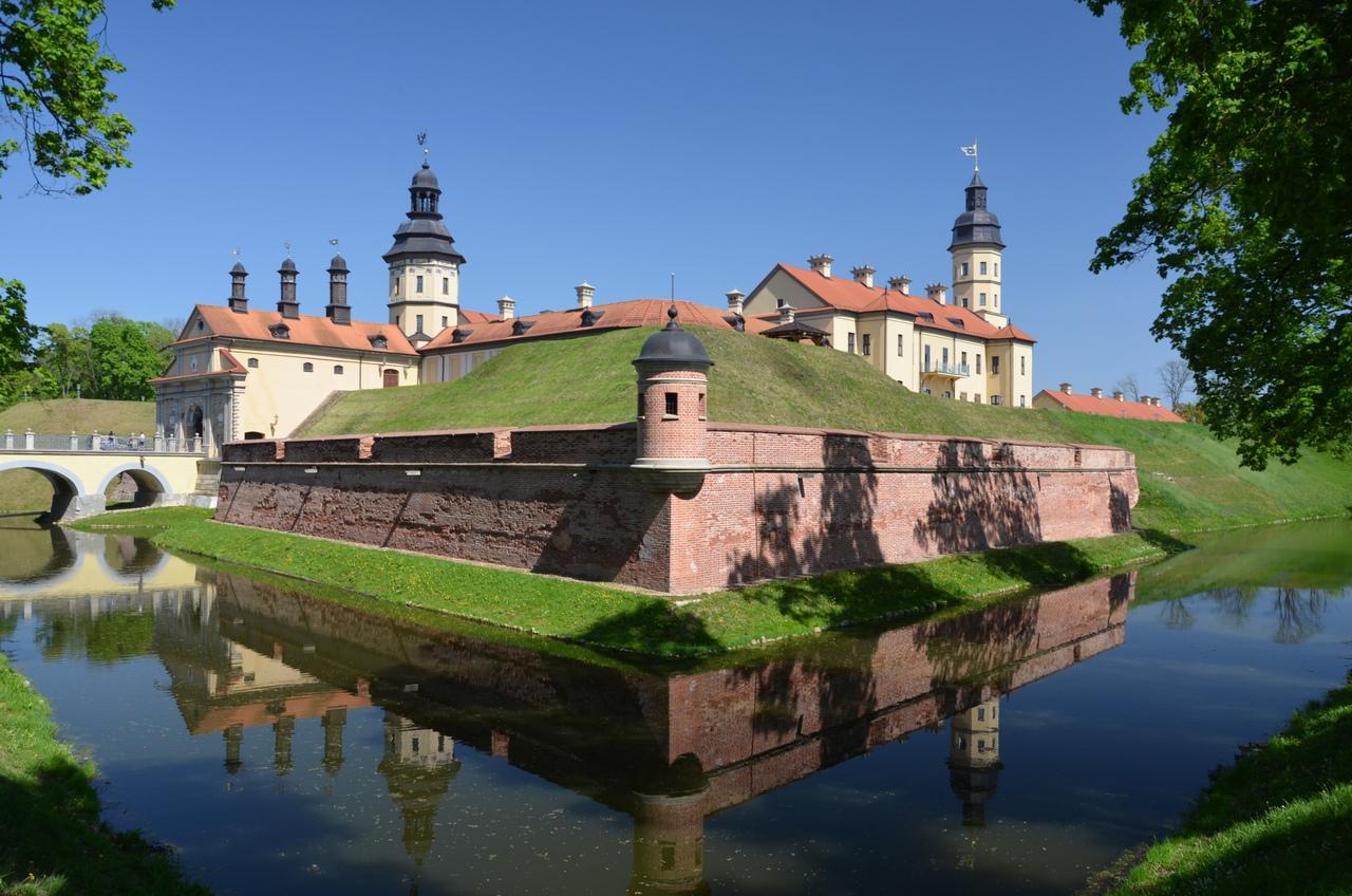 uwixJfW2Rrc Несвиж. Замок в Беларуси.