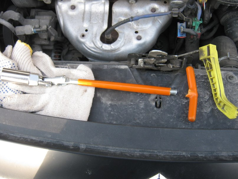 у ситроен берлинго выключаем двигатель ключом