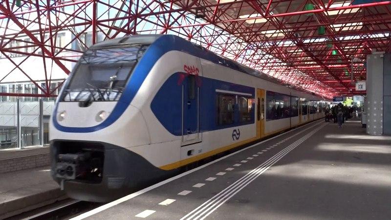 SLT-6 vertrekt naar Zwolle vanaf Station Almere Centrum!